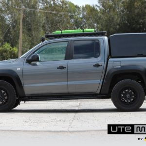 How s canopy attached to the UTE